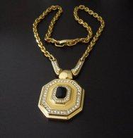 Vintage Dior necklace, gorg!
